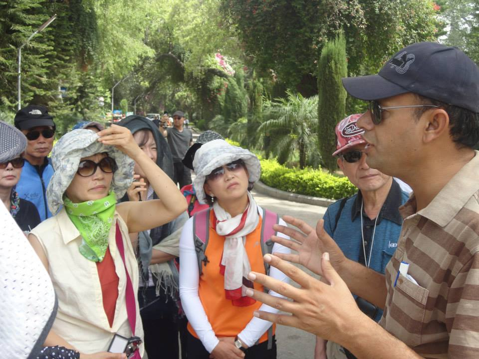 shahid tour guide